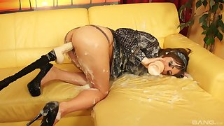 Fuck machine oral tryout adjacent to dirty alone on the couch