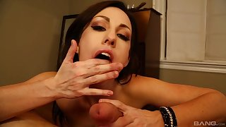 Satisfying POV blowjob involving well-heeled MILF Jennifer White