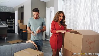 Spacious pest wife Richelle Ryan spreads her butt cheeks to be fucked