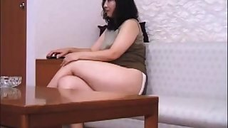 Full-grown Japanese lady farts