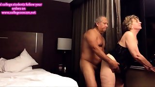 Old big ass wife fucked from behind in the inn room