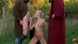 Horny knights fuck ladies nearby hardcore style