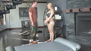 Curvy MILF masseuse uses a shy man's dick for achieving ultimate admiration