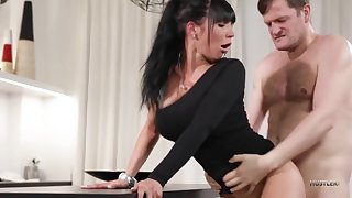 Valentina Ricci a brunette fuck at hand similar to